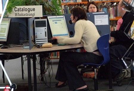 foto: Book search!, por Keith Davenport (Flickr)